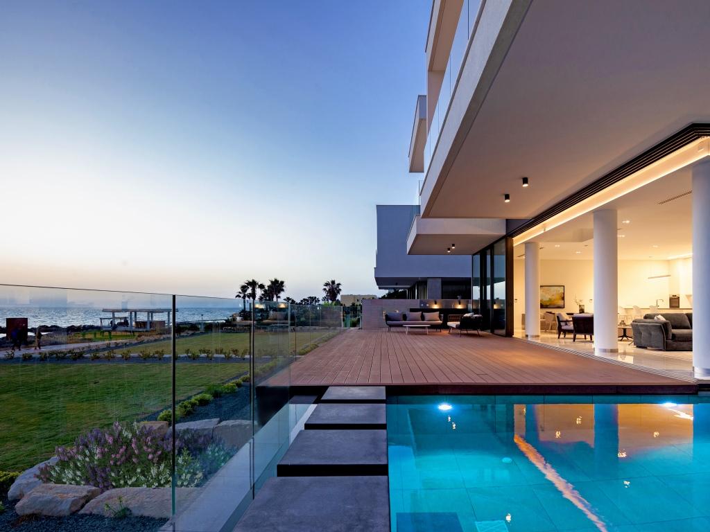 Faros Beachfront Residence